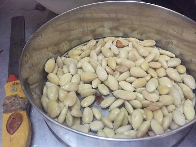Blanched Almonds for Vasanu