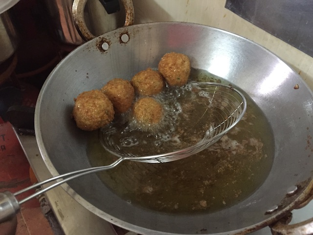 Deep Fry the Kera Kebabs