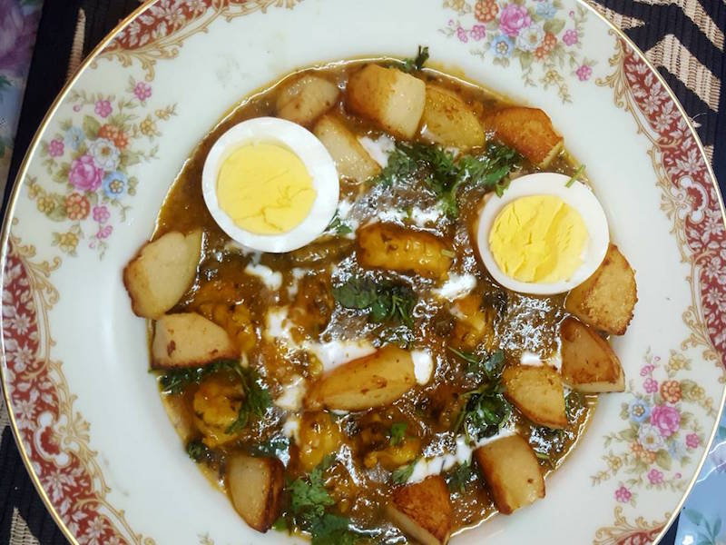 Jhinga, Papeta & Eeda Patio (Prawn, Potato & Egg Gravy) - Bawi Bride Kitchen
