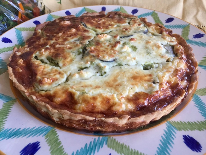 Large Tart filled with Eggplants, Chutney & White Sauce